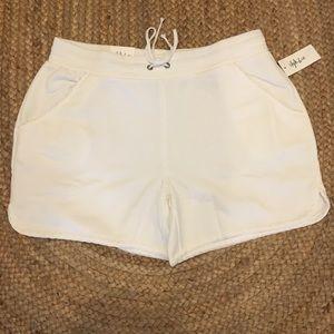 Style & Company White Shorts Size L
